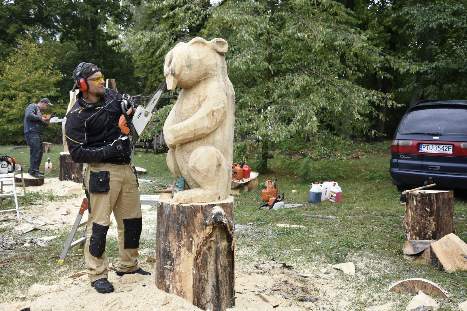 Ilustracja do informacji: Rozpoczął się plener rzeźbiarski