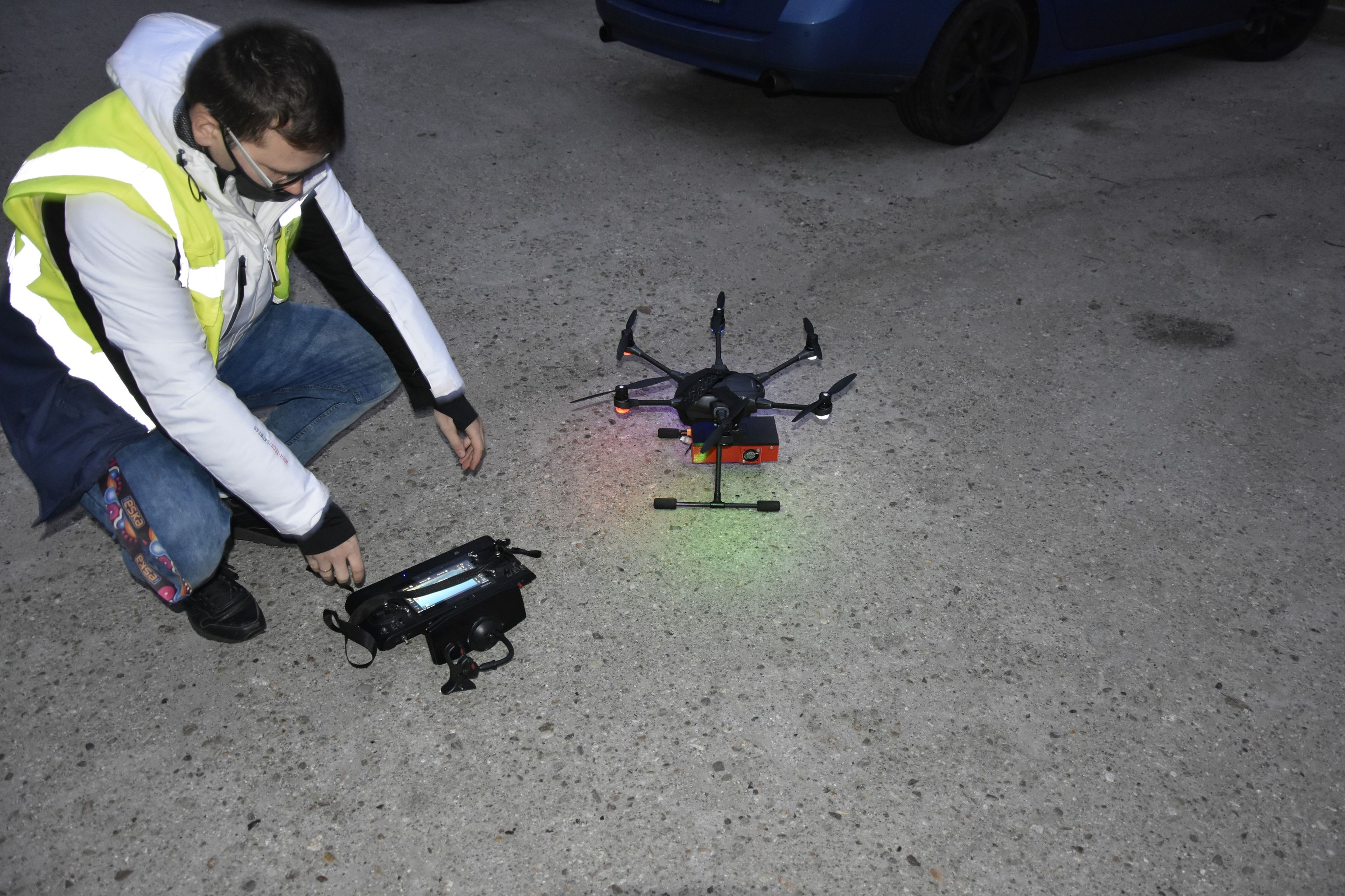 Ilustracja do informacji: Dron sprawdza jakość powietrza