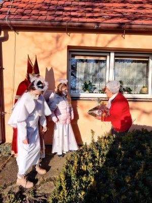 Miniatura zdjęcia: Mikołaje u Seniorów
